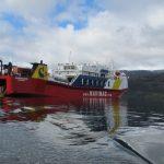 La croisière s'amuse dans les fjords de Patagonie