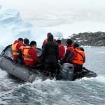 En zodiac Simone!!! Icebergs droit devant!!