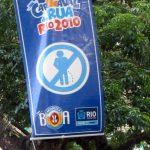 Insolite à Rio de Janeiro: interdit de faire pipi sur les arbres