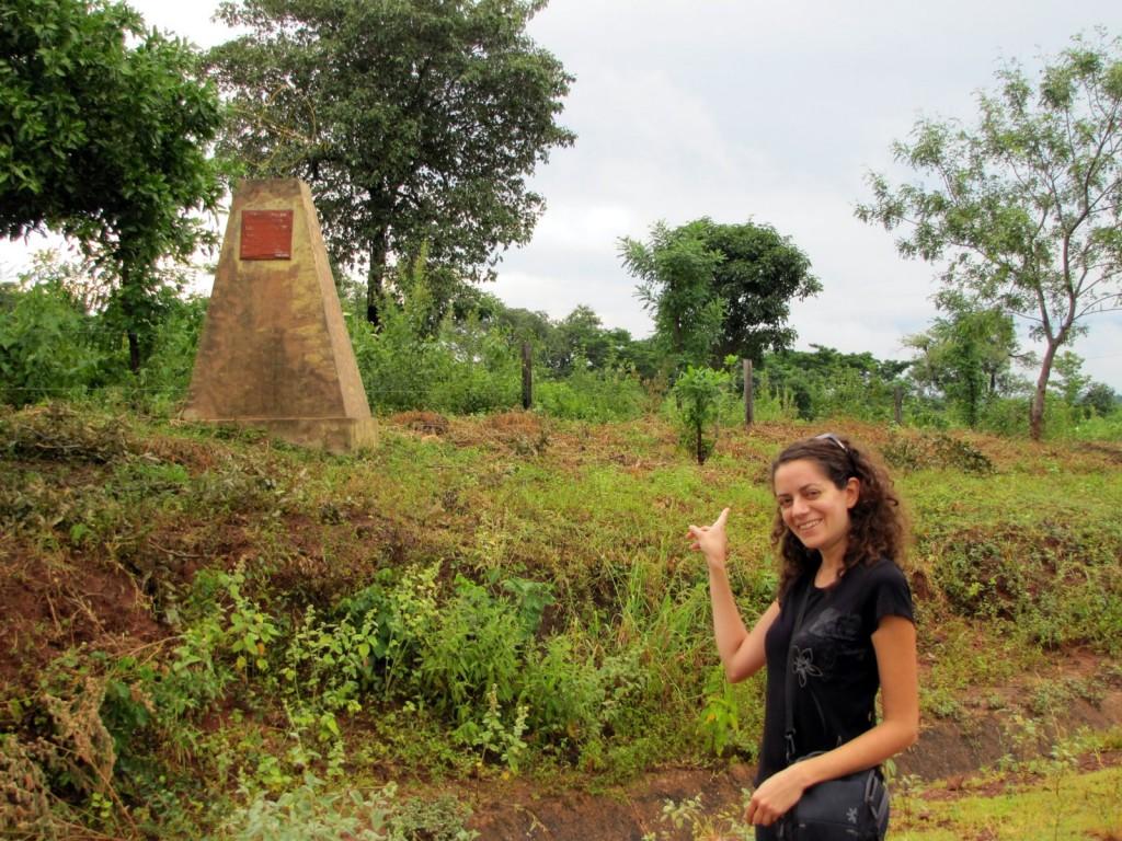 Le monument qui symbolise le passage du tropique du Capricorne