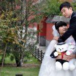 Insolite en Chine: les mariés posent avec leurs nounours!!