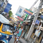 Khao San Road à Bangkok, la capitale mondiale des backpackers