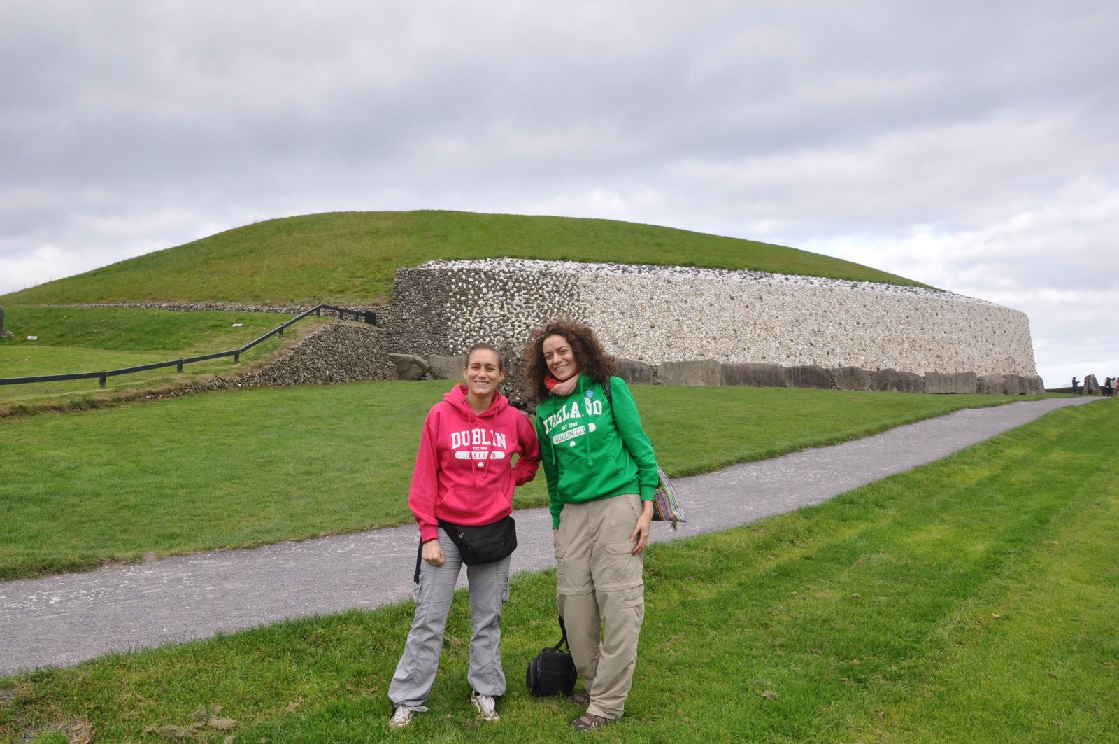 Le tumulus de Newgrange en Irlande