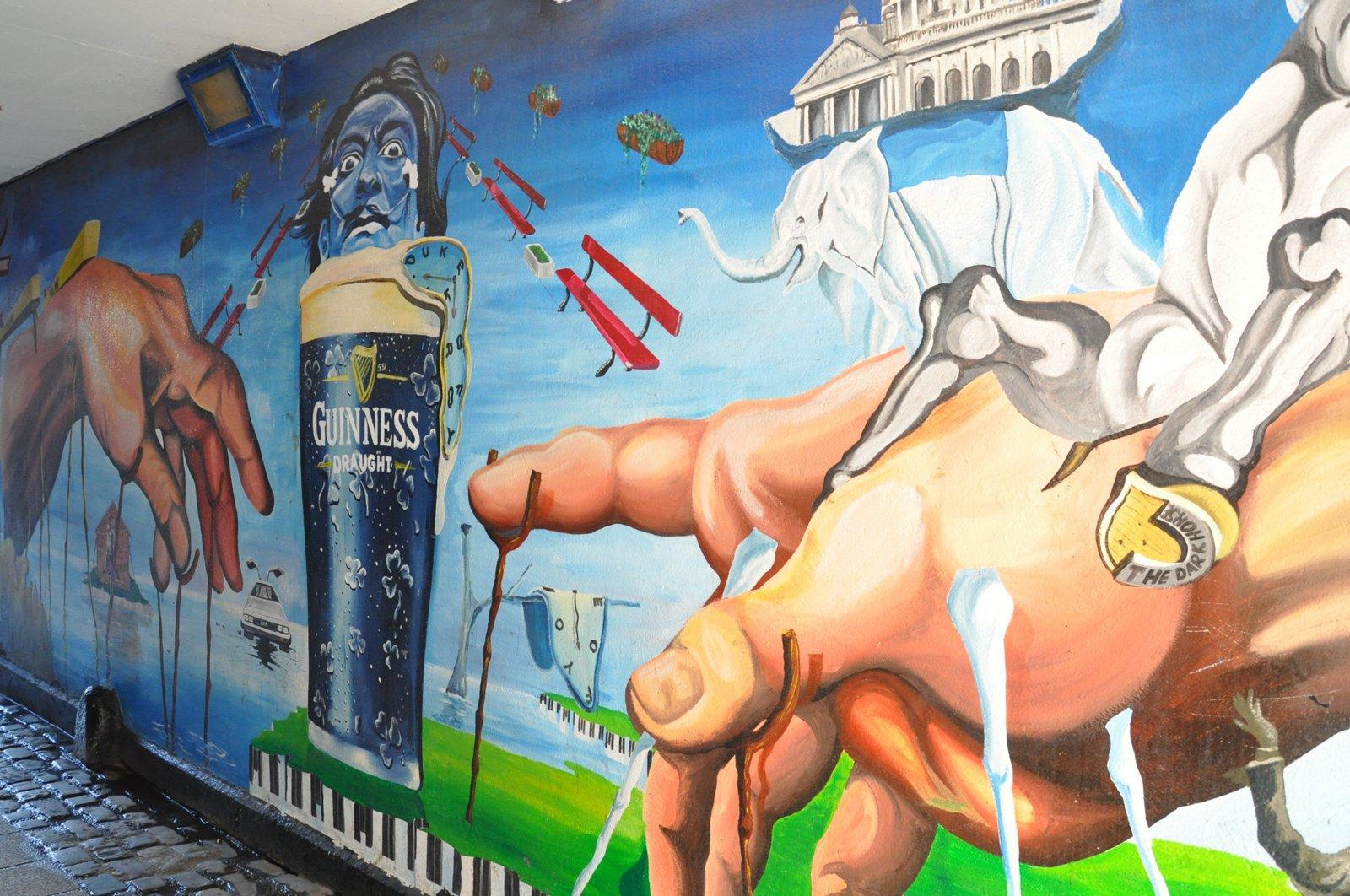 Mural Salvador Dali à Belfast