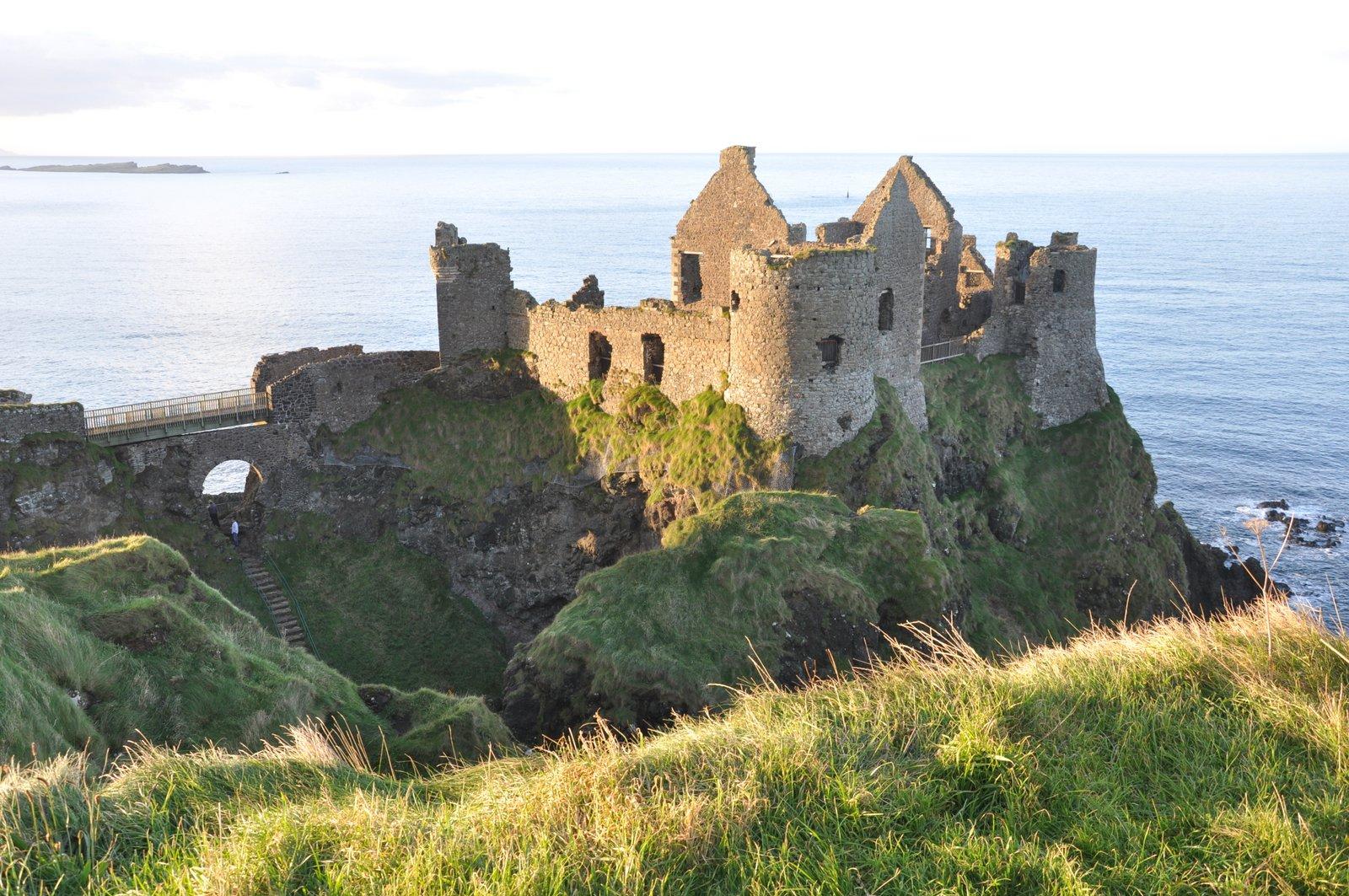 dunluce castle chateau