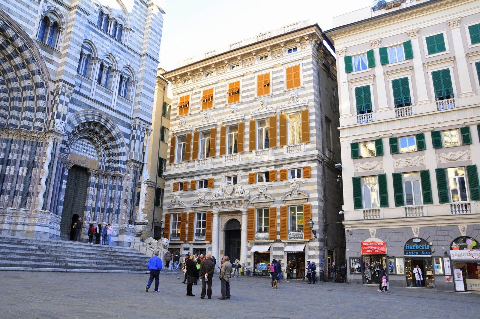 La place de la cathédrale de San Lorenzo, à Gênes