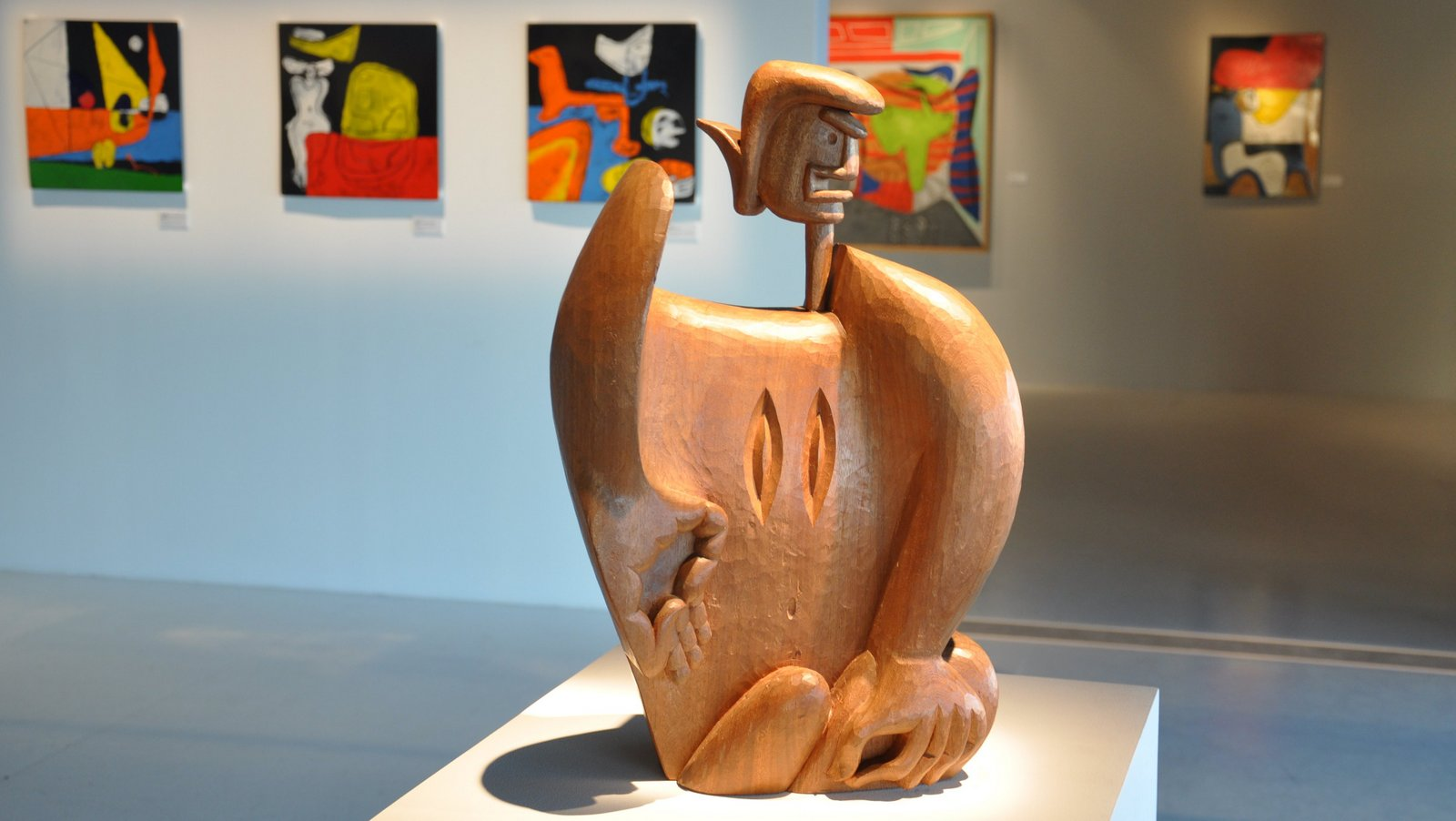 Sculpture et peintures de Le Corbusier exposées au J1 à Marseille