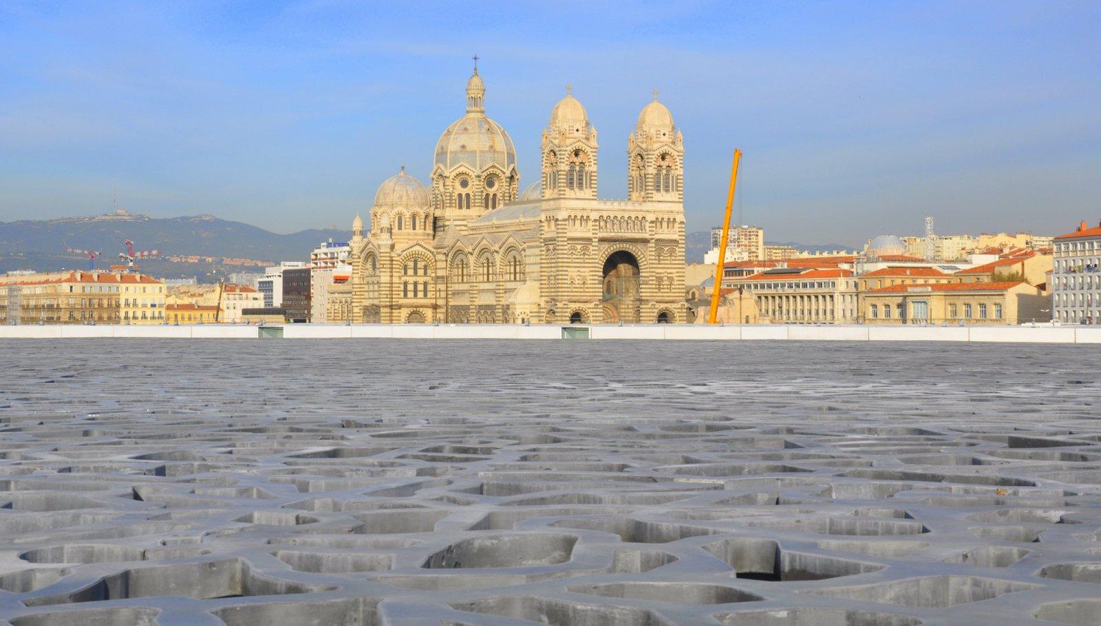 La cathédrale de la Major vue depuis la terrasse du MuCEM à Marseille