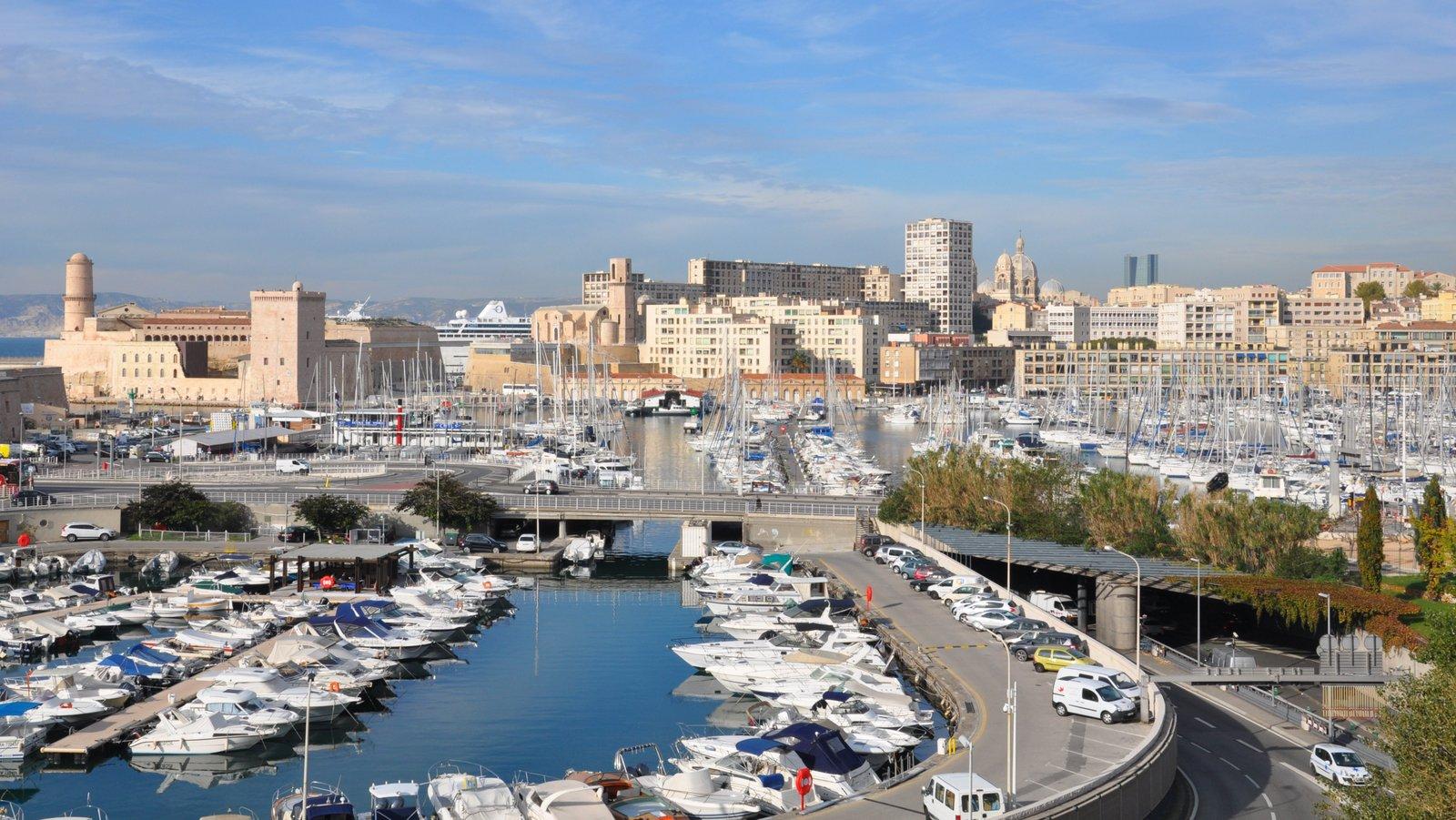 Vue sur le Vieux-Port de Marseille