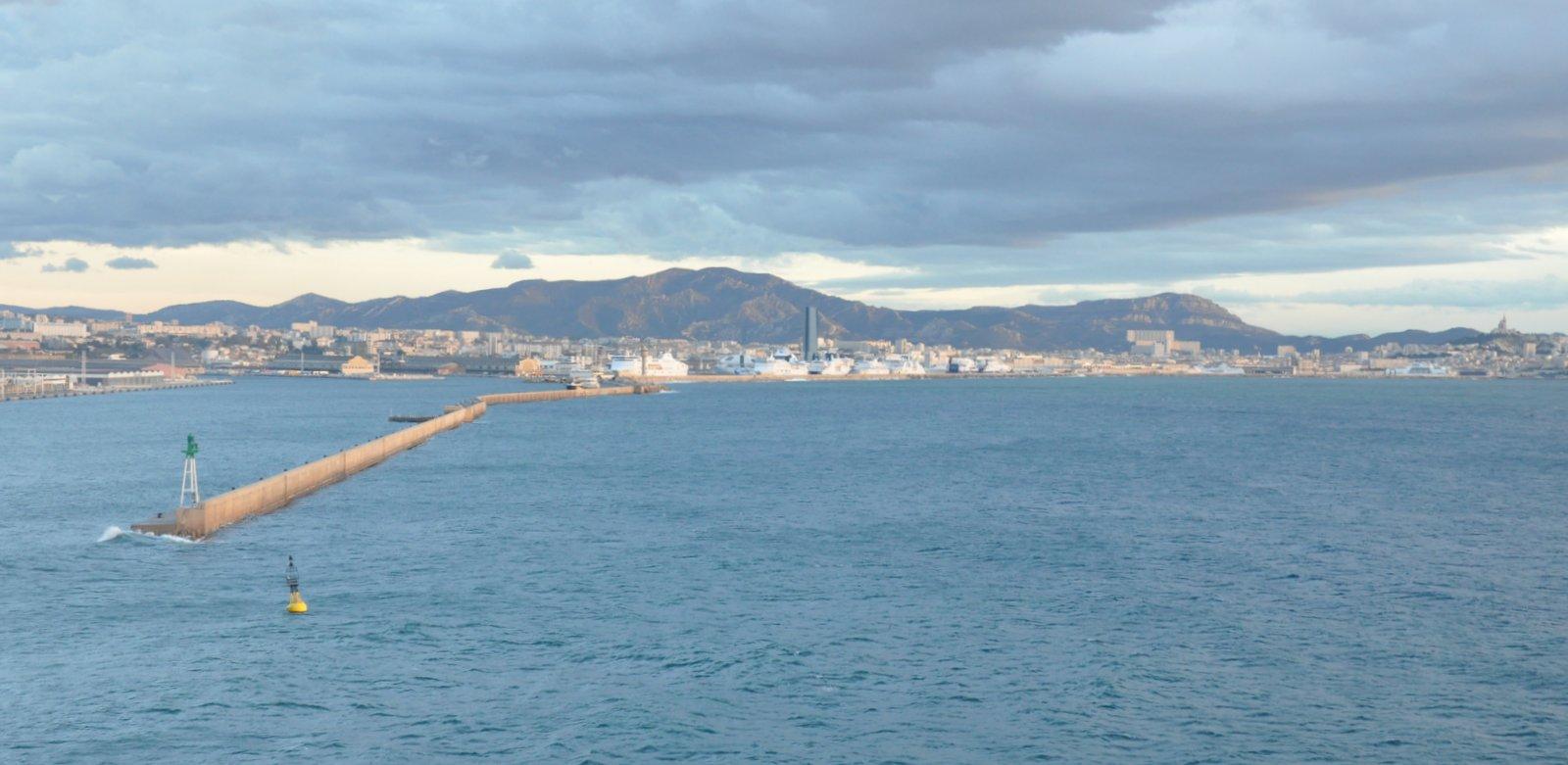 D couvrir florence et g nes en partant en croisi re - Port embarquement croisiere marseille ...
