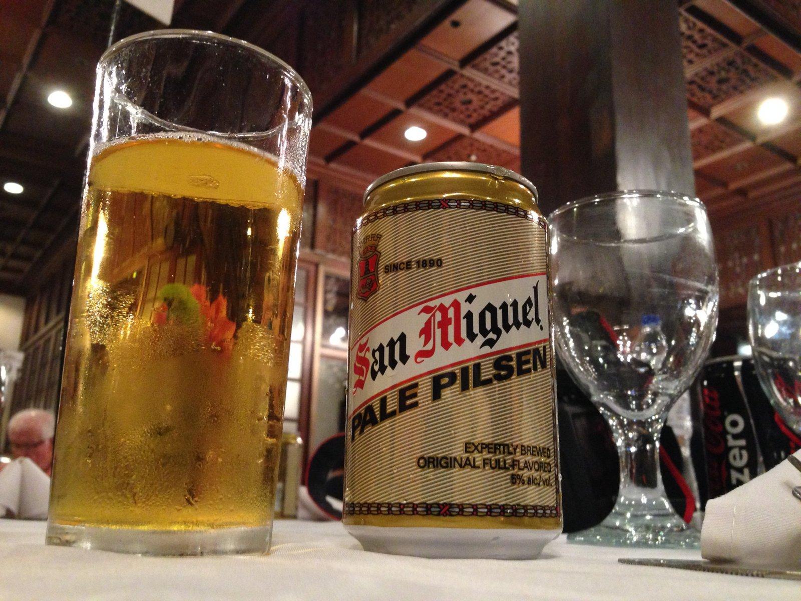 Une bière San Miguel aux Philippines