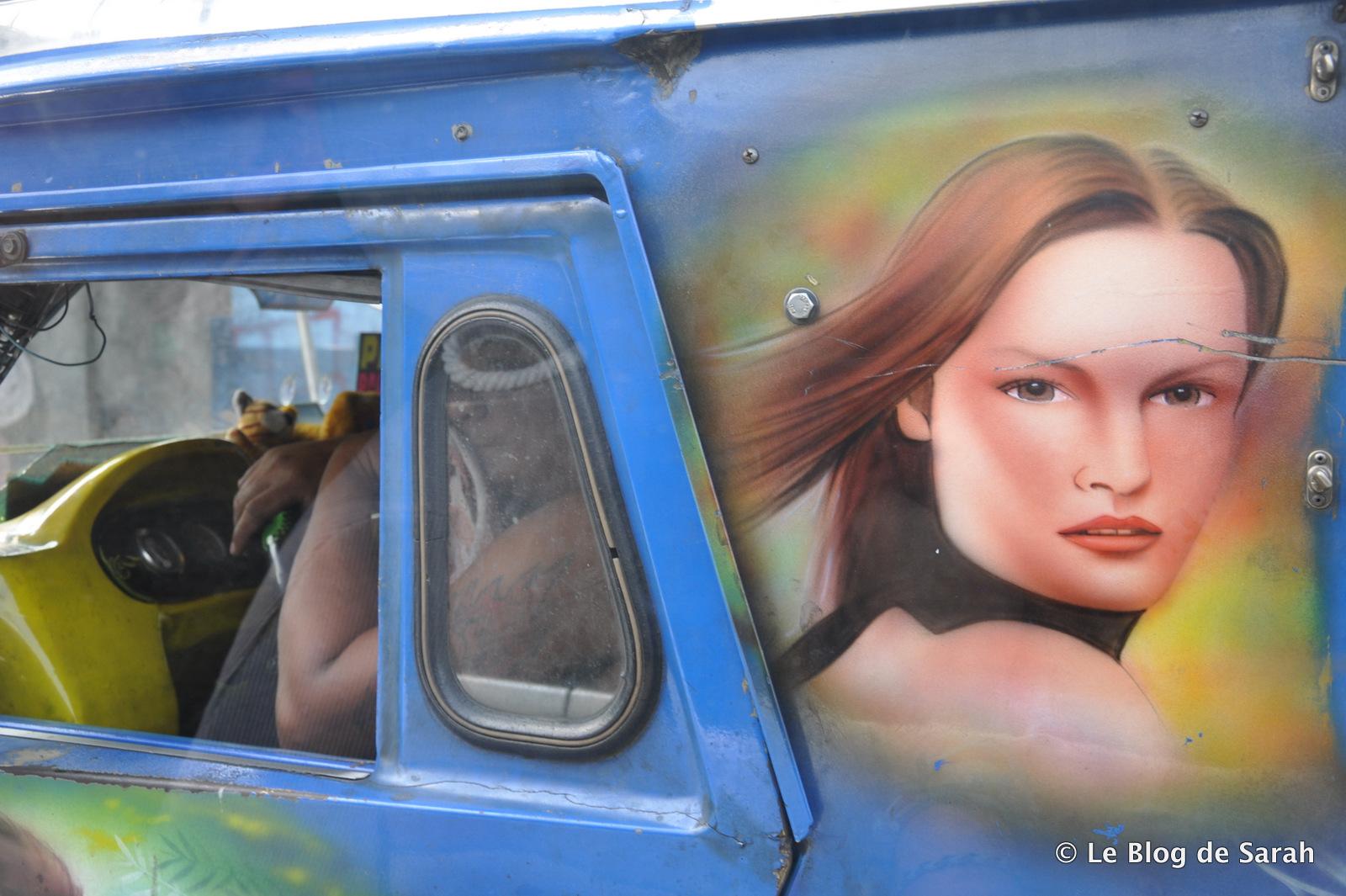 Le tuning devient du steet-art sur les jeepneys de Manille