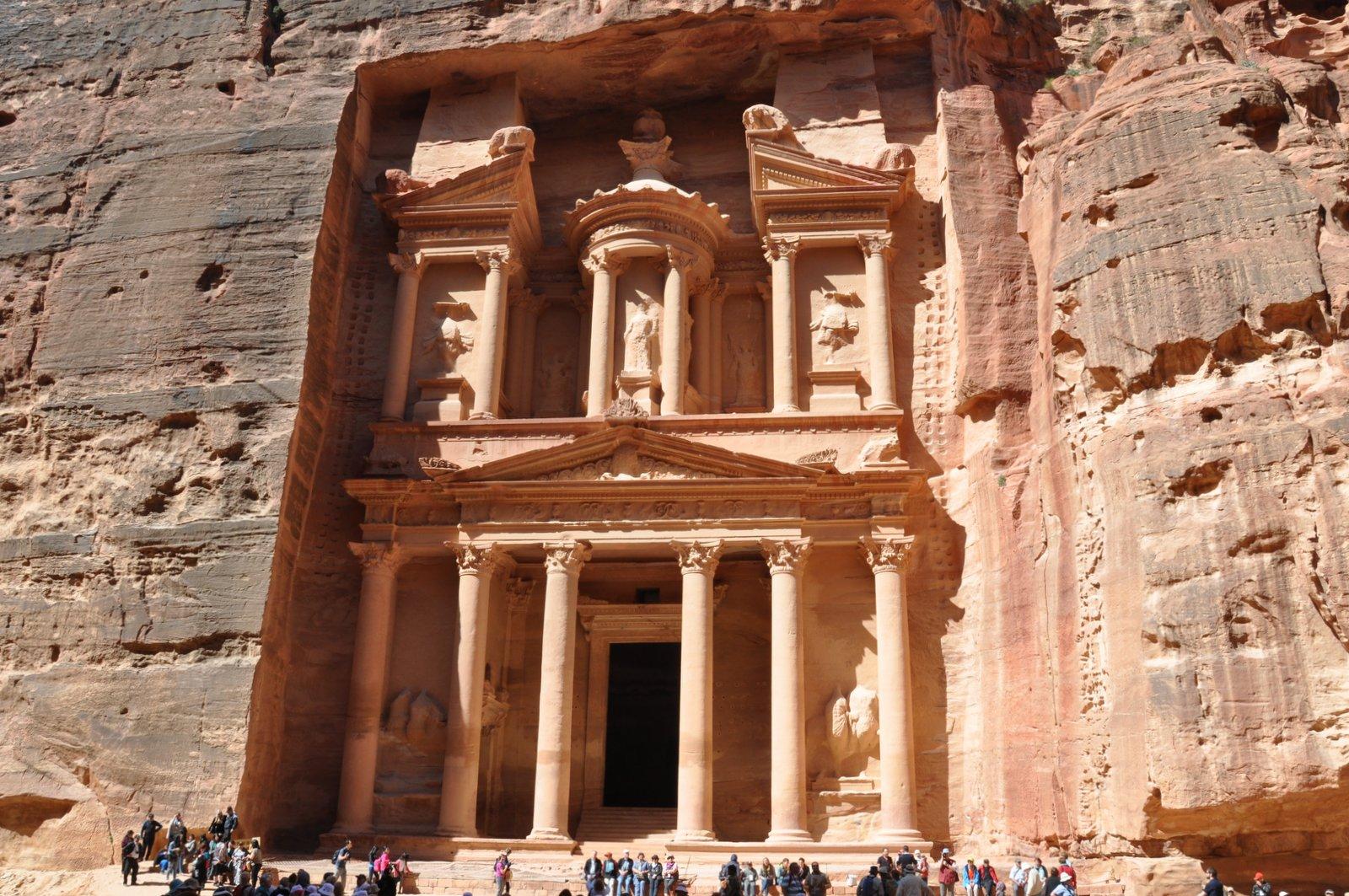 Le Tresor De Petra Al Khazneh Une Des Sept Merveilles Du Monde