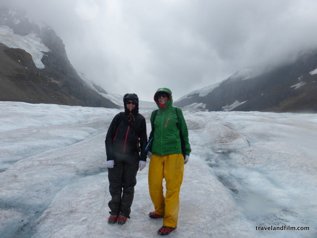 Bien équipées pour faire face au froid sur le glacier