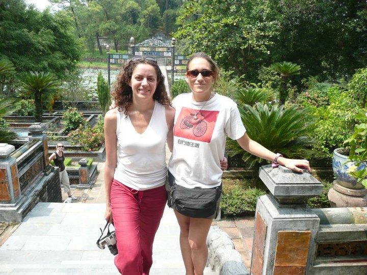 A Hué au Vietnam, avec Emily rencontrée quelques jours plus tôt