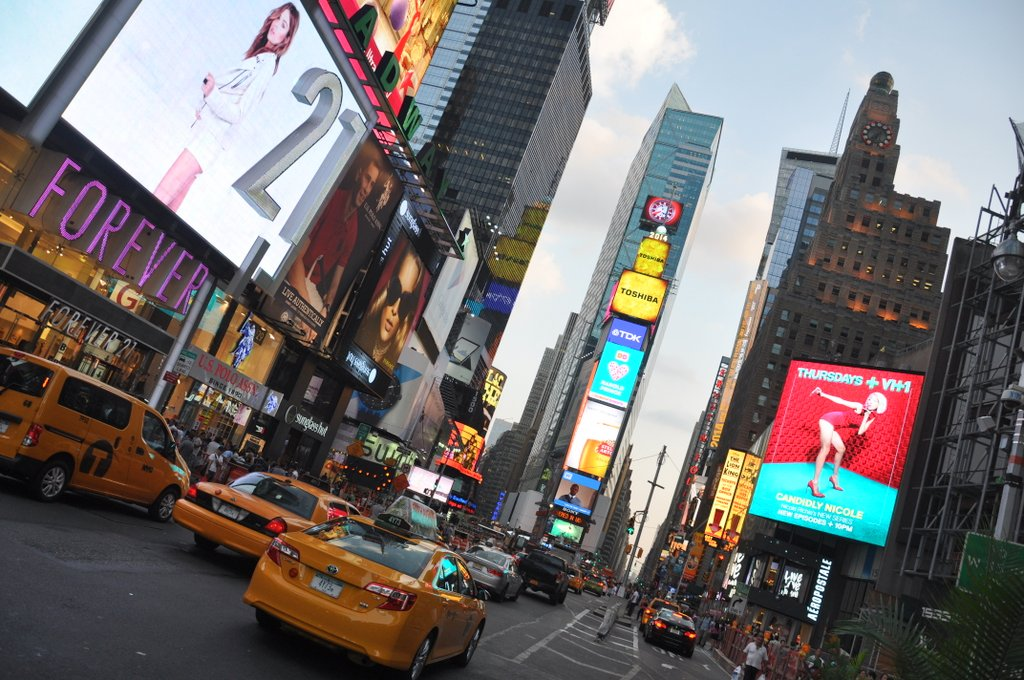 voyage-new-york-times-square