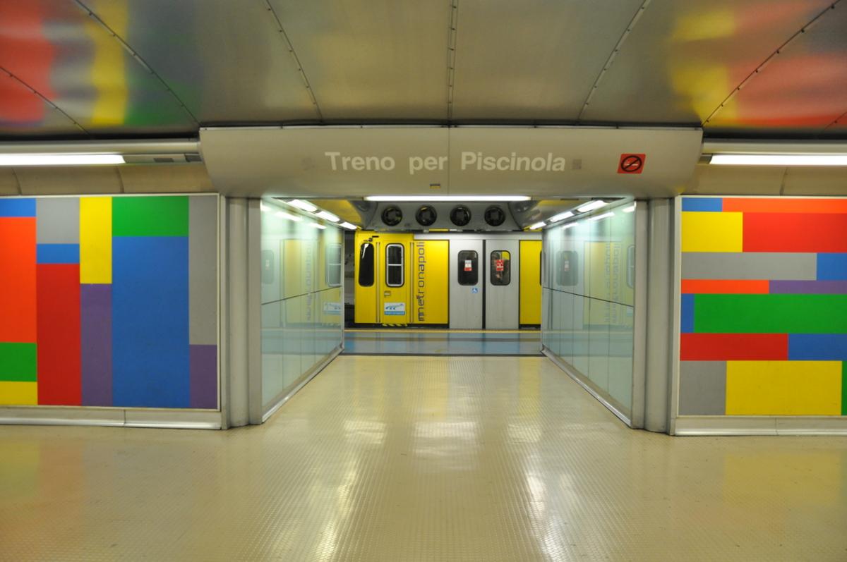 naples-metro-materdei