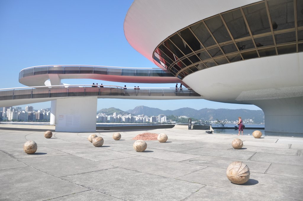 niteroi-niemeyer-mac
