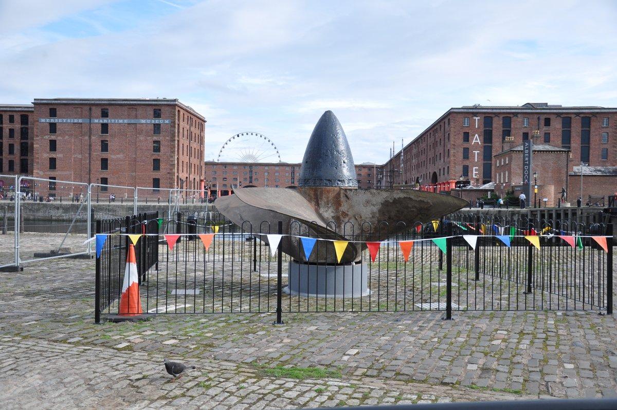 Vue du Merseyside Museum et de la Tate Gallery sur Albert Dock