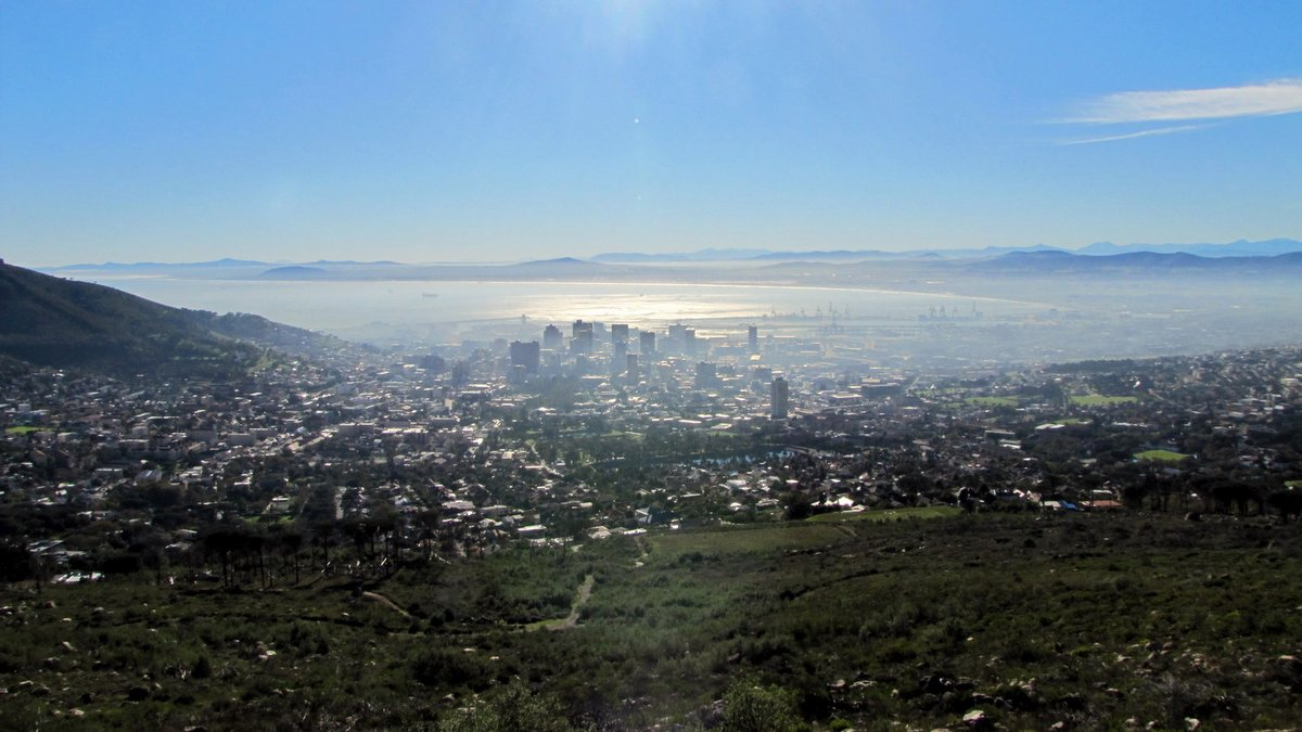 Vue sur Cape Town du haut de Table Mountain