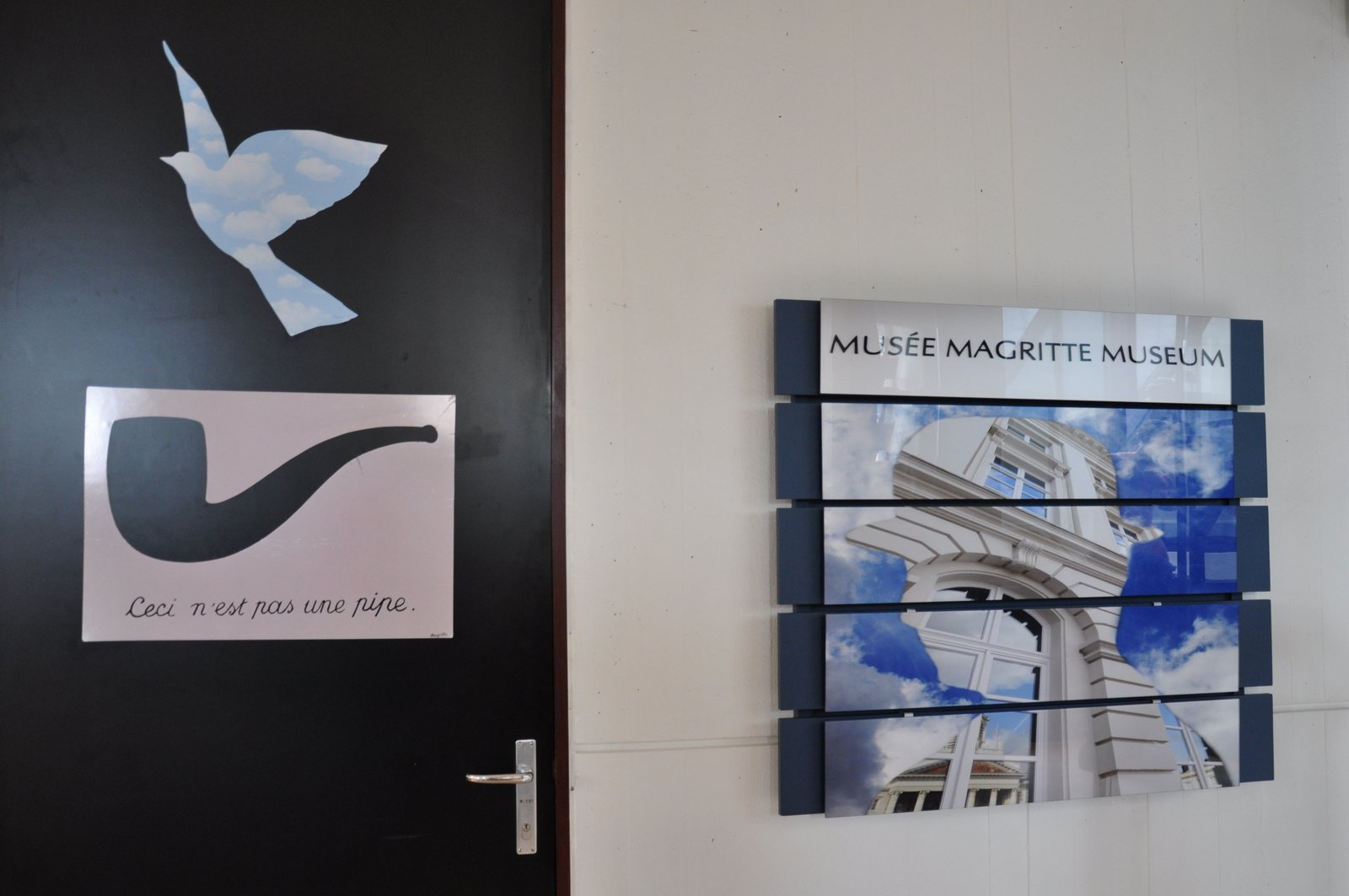 musee-magritte-pipe-oiseau
