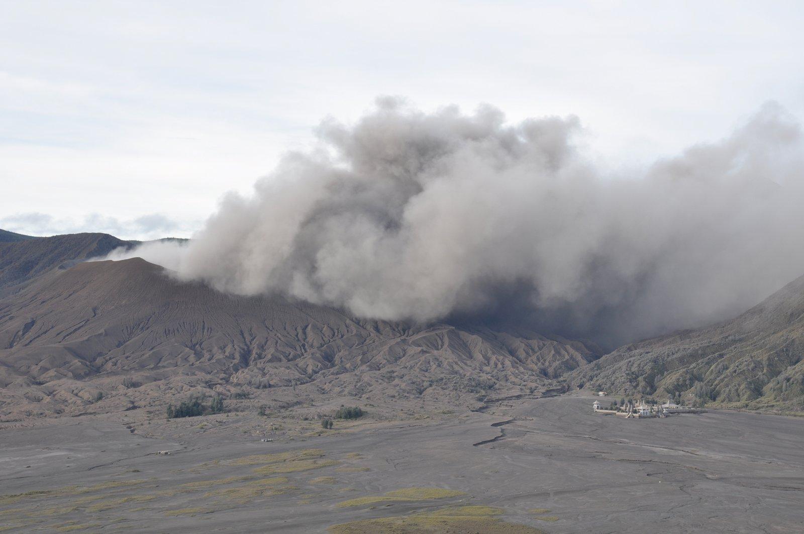 indonesie-volcan-bromo-eruption