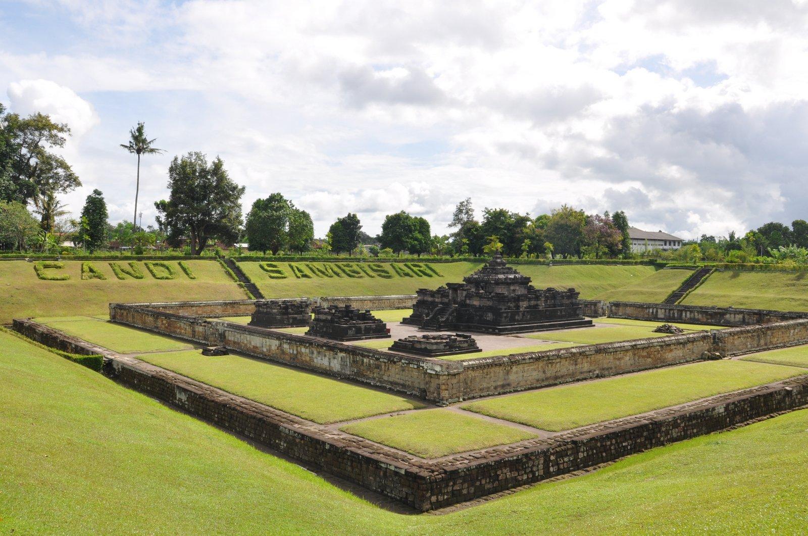Le temple de Sambisari - Candi signifie temple en indonésien
