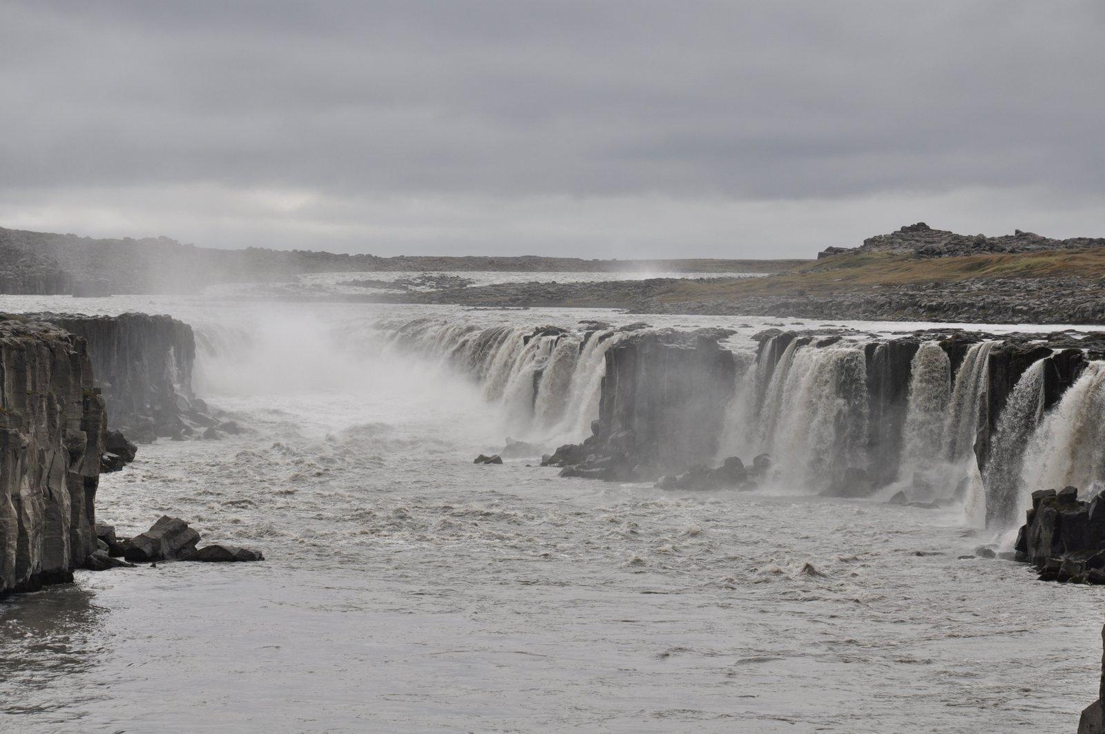 selfoss-islande-cascade