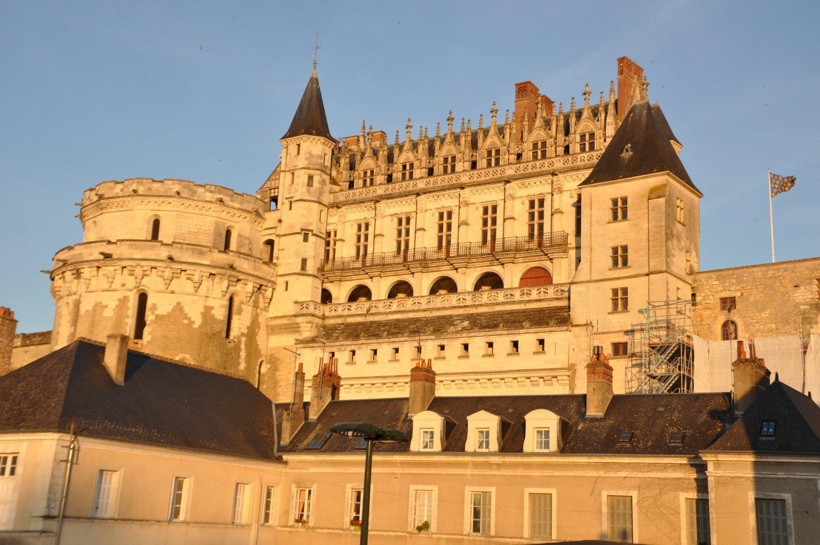 Le château d'Amboise sur les bords de Loire