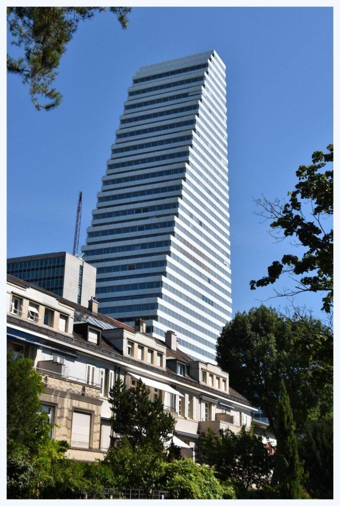 La plus haute tour de Suisse: la tour Roche à Bâle