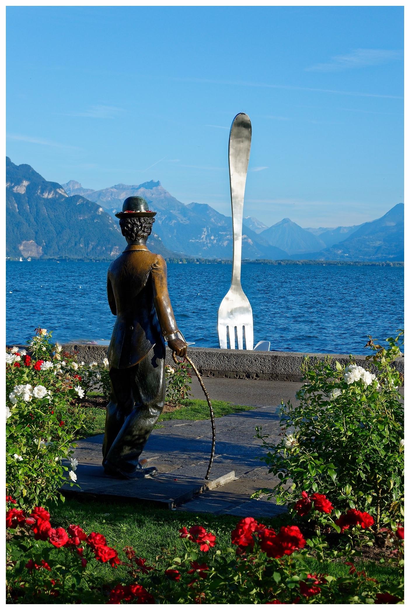 Charlie Chaplin face au lac Léman