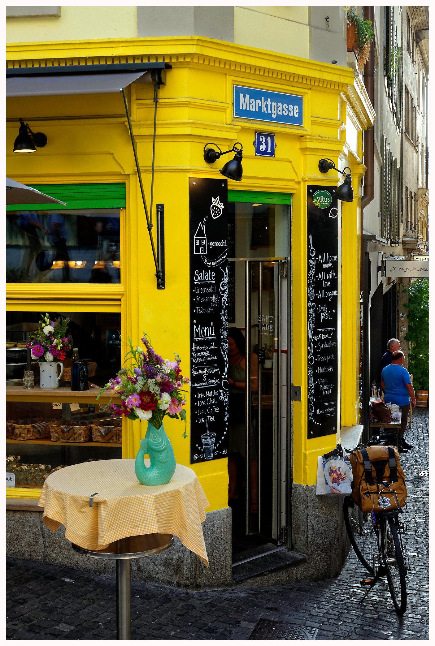 Jolie boutique dans la vieille ville de Zurich